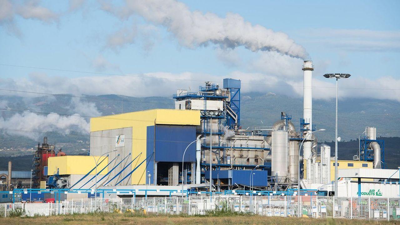 A Salaise (Isère), Tredi est le plus gros centre de traitement de déchets dangereux d'Europe. Avec le nouveau pipe de son troisième incinérateur, Séché va tripler ses ventes de vapeur aux industriels locaux de la chimie, qui économiseront ainsi l'équivalent de 120.000 tonnes équivalent-CO2.