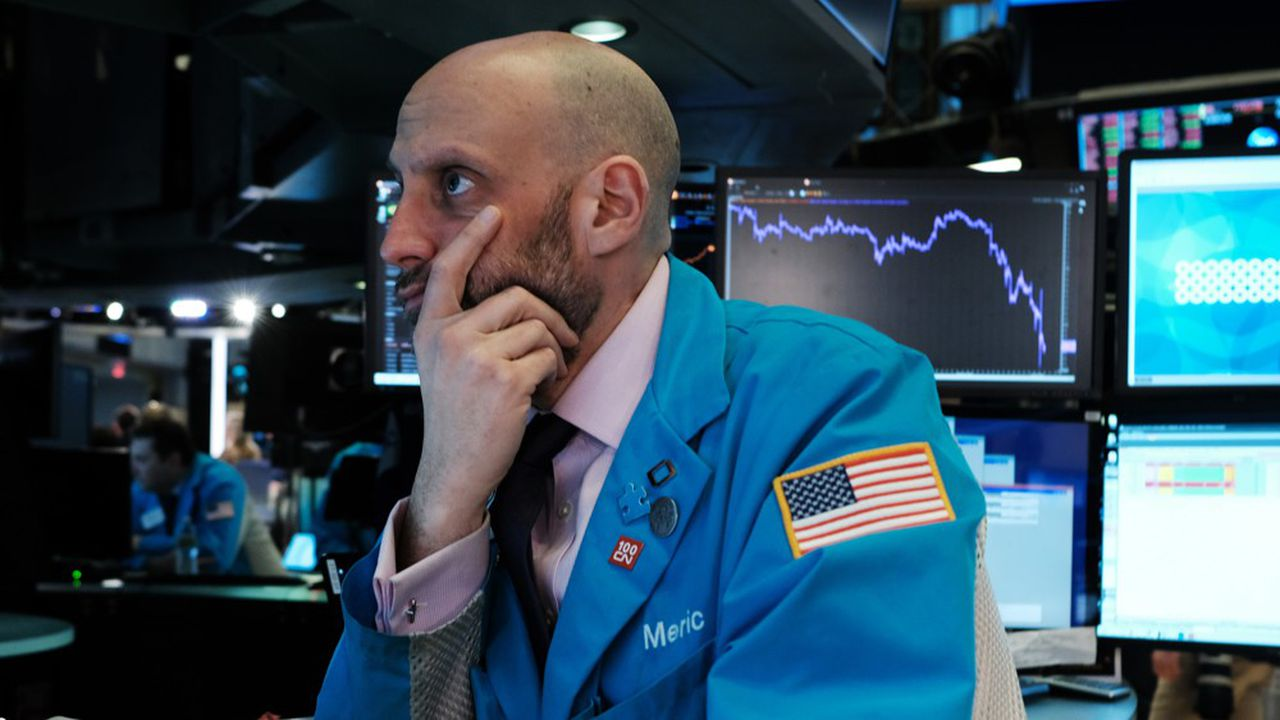 Un fonds obligataire de BNY Melon a perdu 6% de sa valeur à cause de paris sur le marché actions.