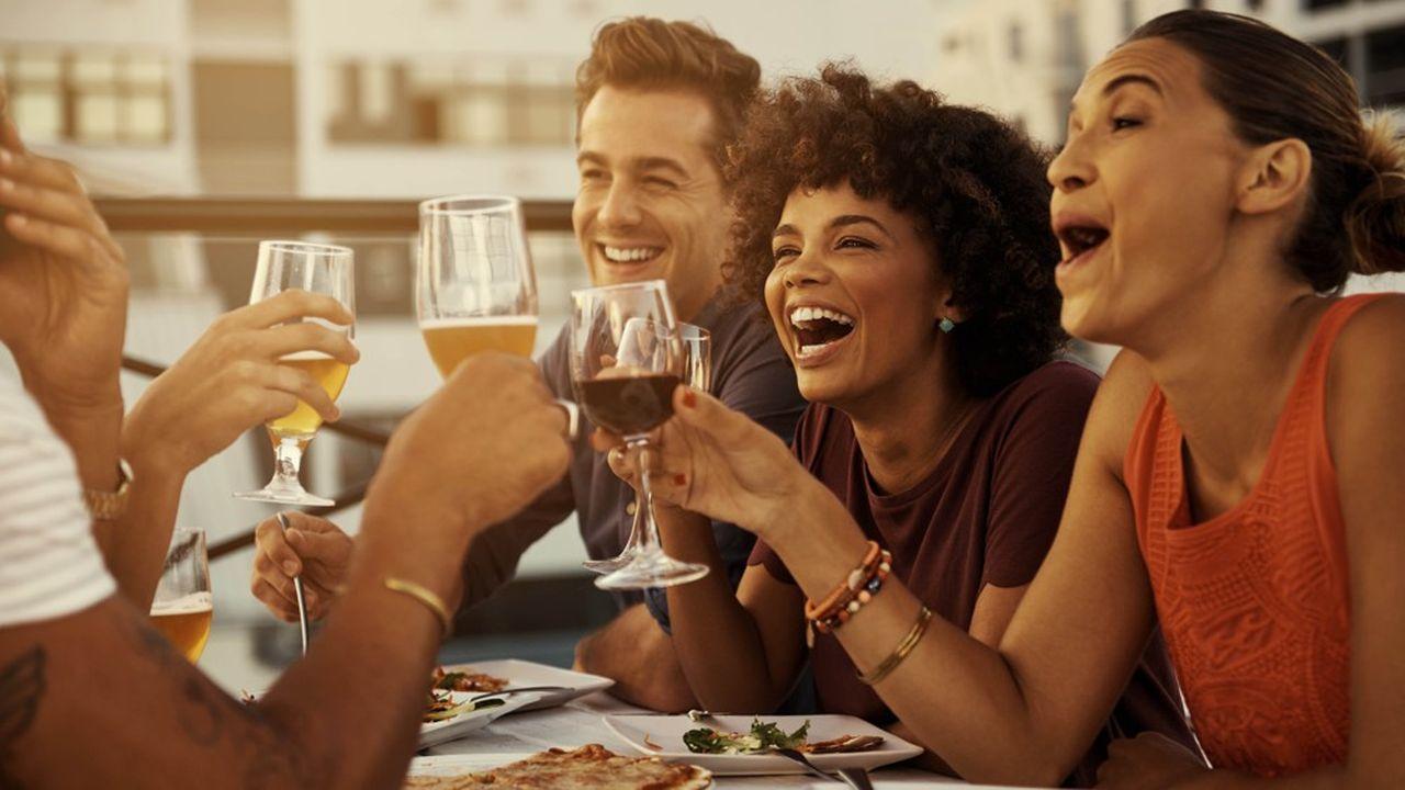 «L'abstinence est la première concurrente» des vins de Bordeaux, selon le CIVB. Mais elle n'est pas seule. La bière est l'autre grande concurrente. (« L'abus d'alcool est dangereux pour la santé. A consommer avec modération. »