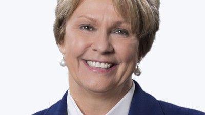Vicki Hollub, la patronne du pétrolier américain Occidental, a annoncé une réduction des investissements de la compagnie en 2020.