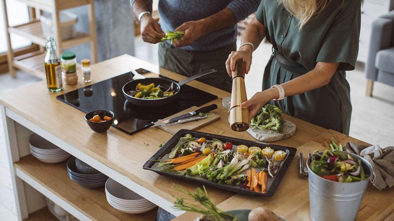 Qu'il soit brut ou transformé, voire très transformé, le végétal conquiert toujours plus nos assiettes.