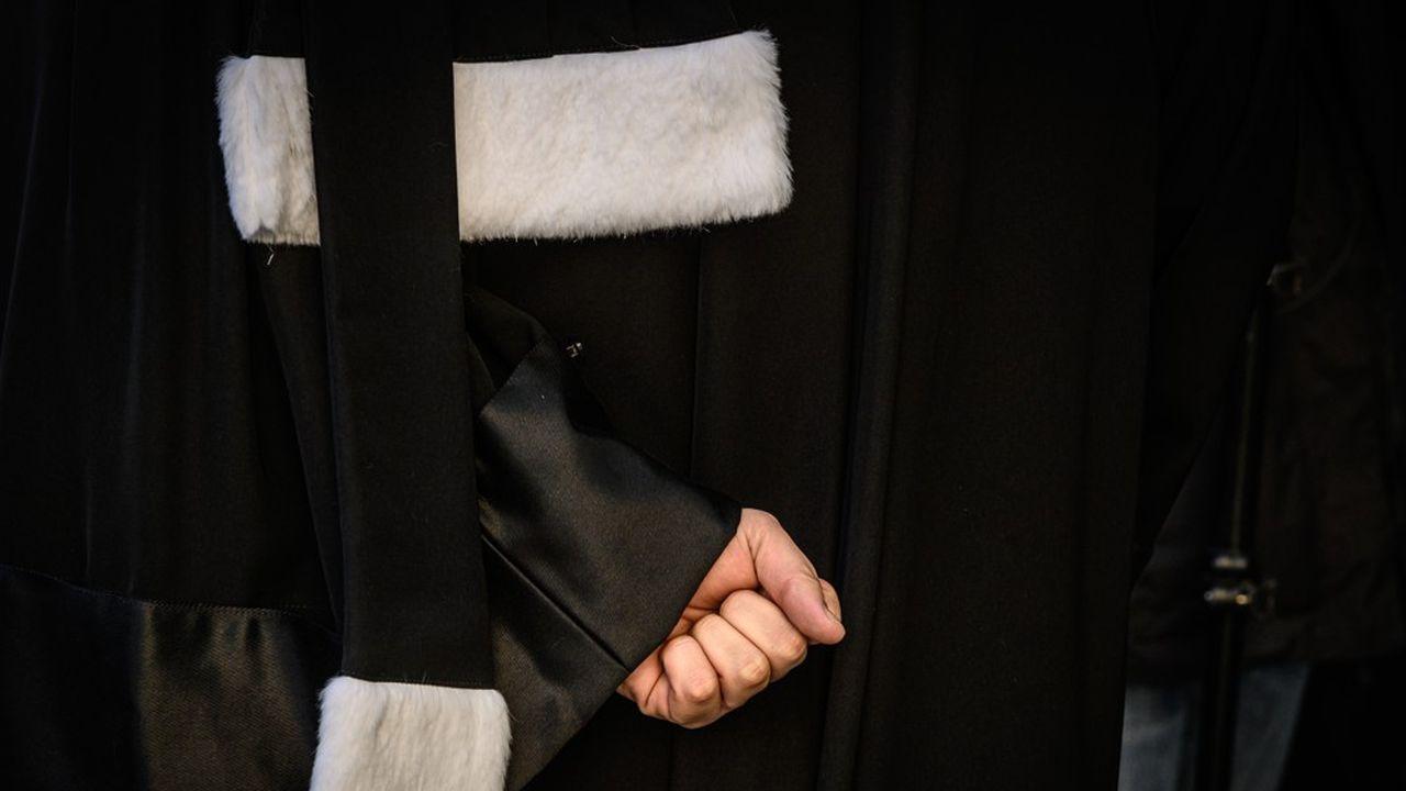 Les avocats français, qui cotisent à une caisse autonome, sont vent debout contre un projet qui verra doubler les cotisations retraite pour ceux qui gagnent moins de 40.000euros par an.