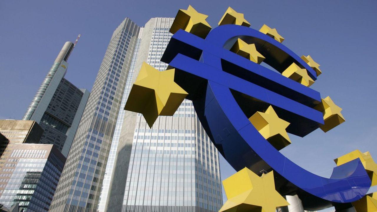 La BCE assure la surveillance des grandes banques de la zone euro. Elle a annoncé un relâchement «temporaire» de ses exigences.