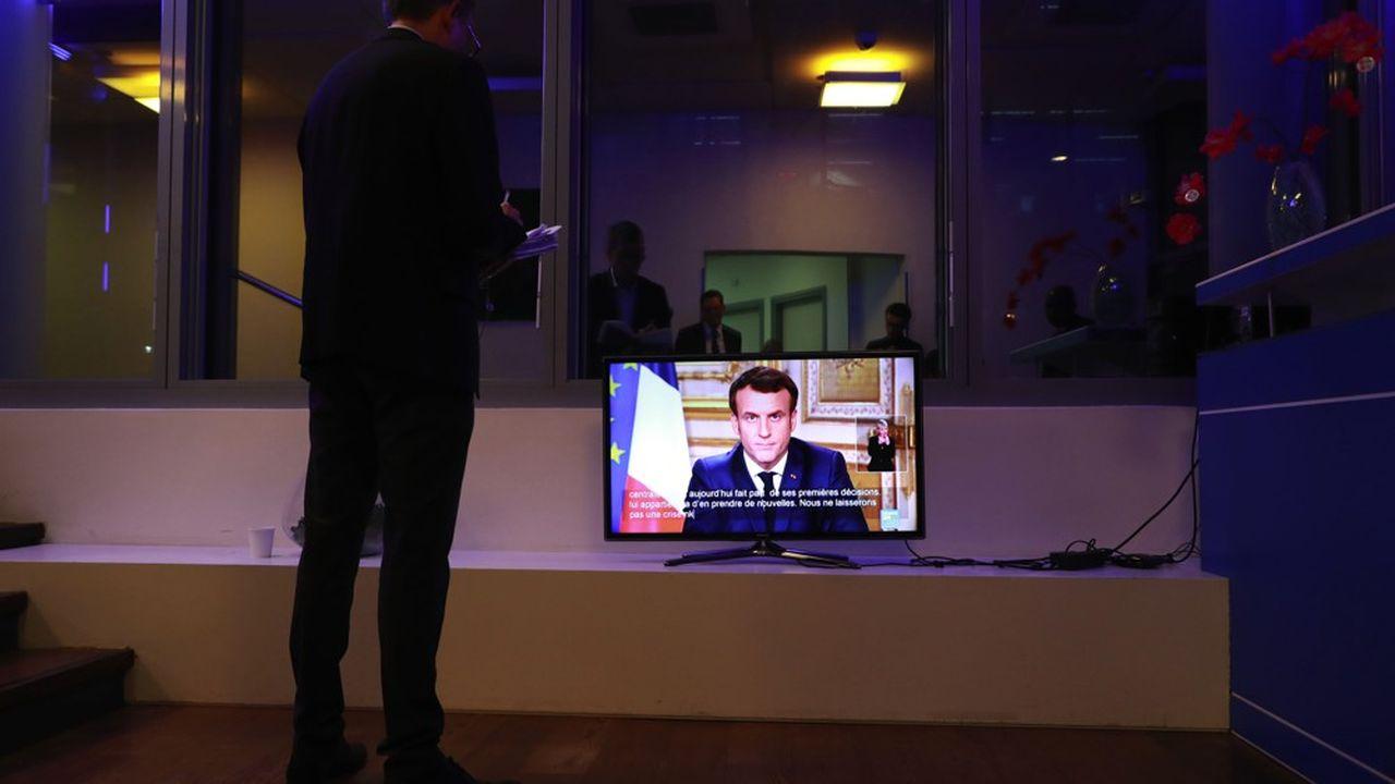 Emmanuel Macron a annoncé la fermeture, à partir de lundi et jusqu'à nouvel ordre, de tous les établissements scolaires.