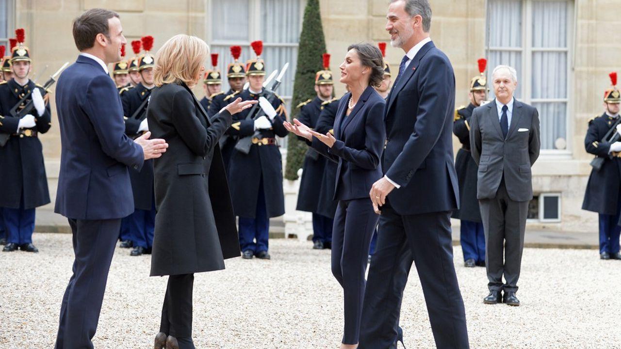 Le président français, Emmanuel Macron, et son épouse, Brigitte Macron, accueillent, mercredi 11mars à l'Elysée, le roi d'Espagne, Philippe VI, et la reine Letizia pour la première journée européenne en hommage aux victimes du terrorisme.