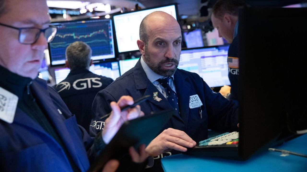 Pour le CAC 40, -12,28 % un record baissier et par ricochets de l'unisson des places boursières, Wall Street a cédé près de 10 %.