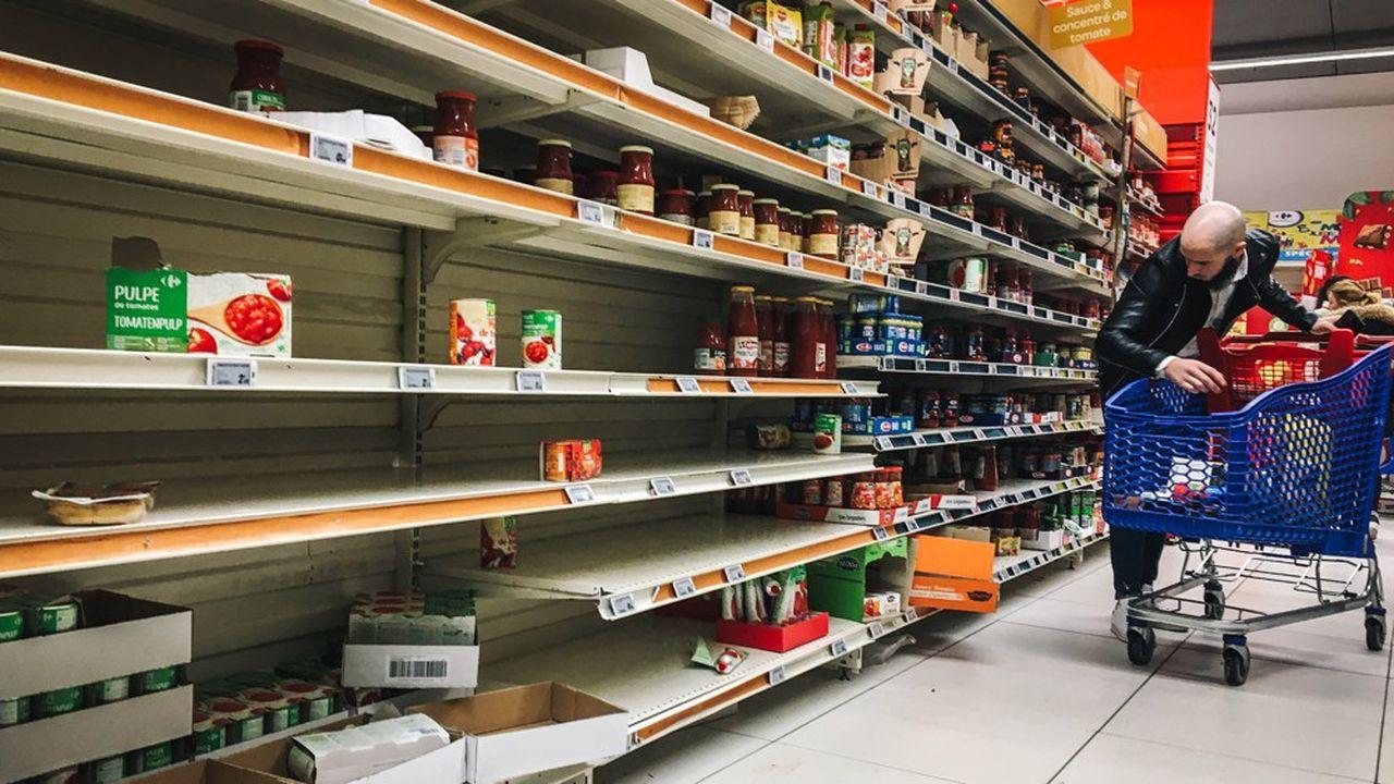 Les supermarchés ne font pas face à une pénurie de personnel pour remplir les rayons.