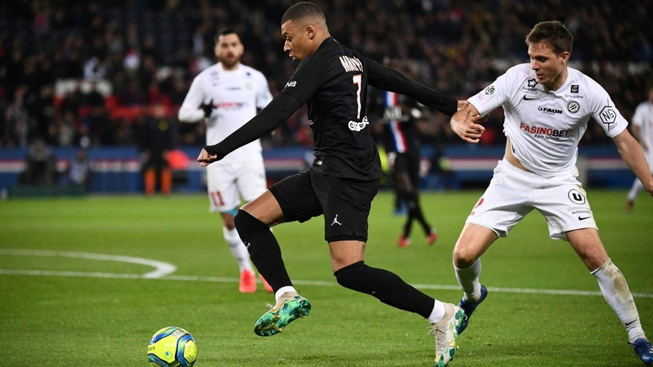 La LFP a décidé d'une suspension des matchs de Ligue 1 et Ligue 2 jusqu'à nouvel ordre, à cause du coronavirus.
