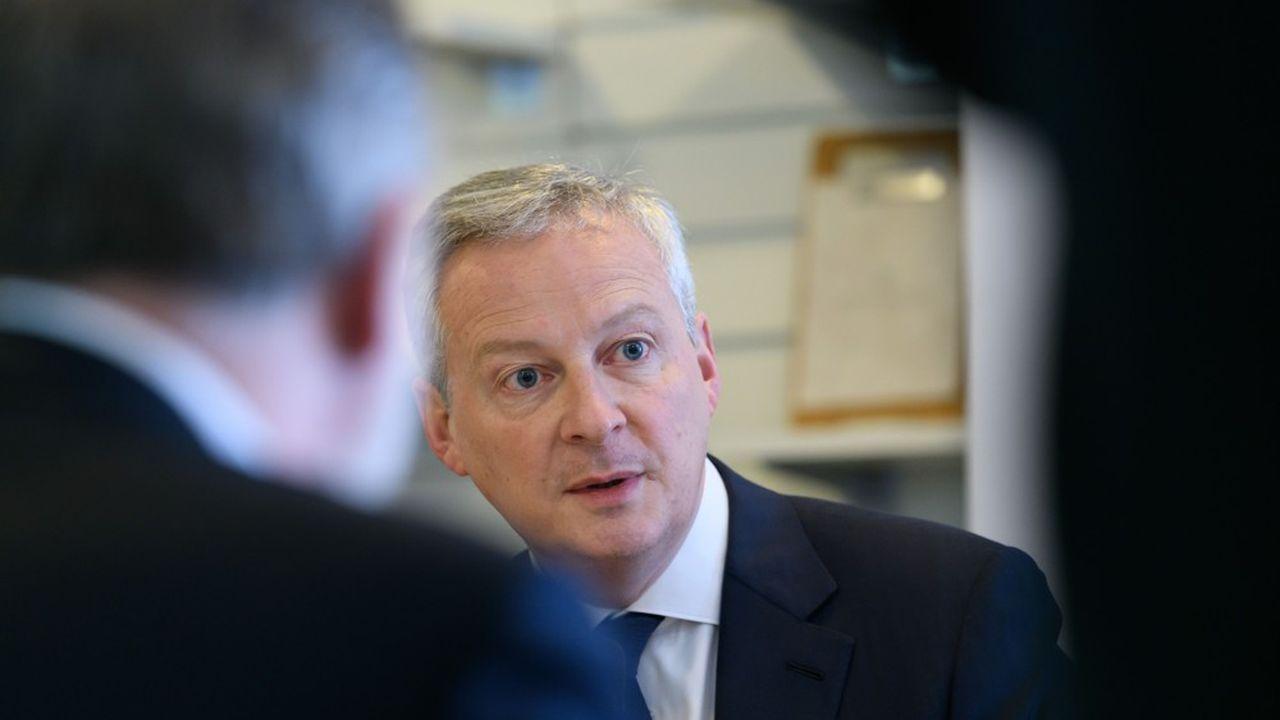 «Nous aiderons toutes les entreprises dans lesquelles l'Etat a une participation», a déclaré Bruno Le Maire, citant les exemples d'Air France et de Renault.