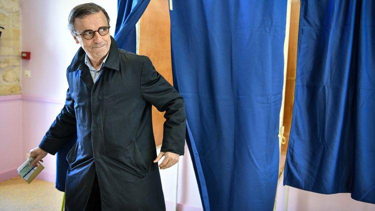 Pierre Hurmic, le candidat écologiste, arrive en deuxième position.