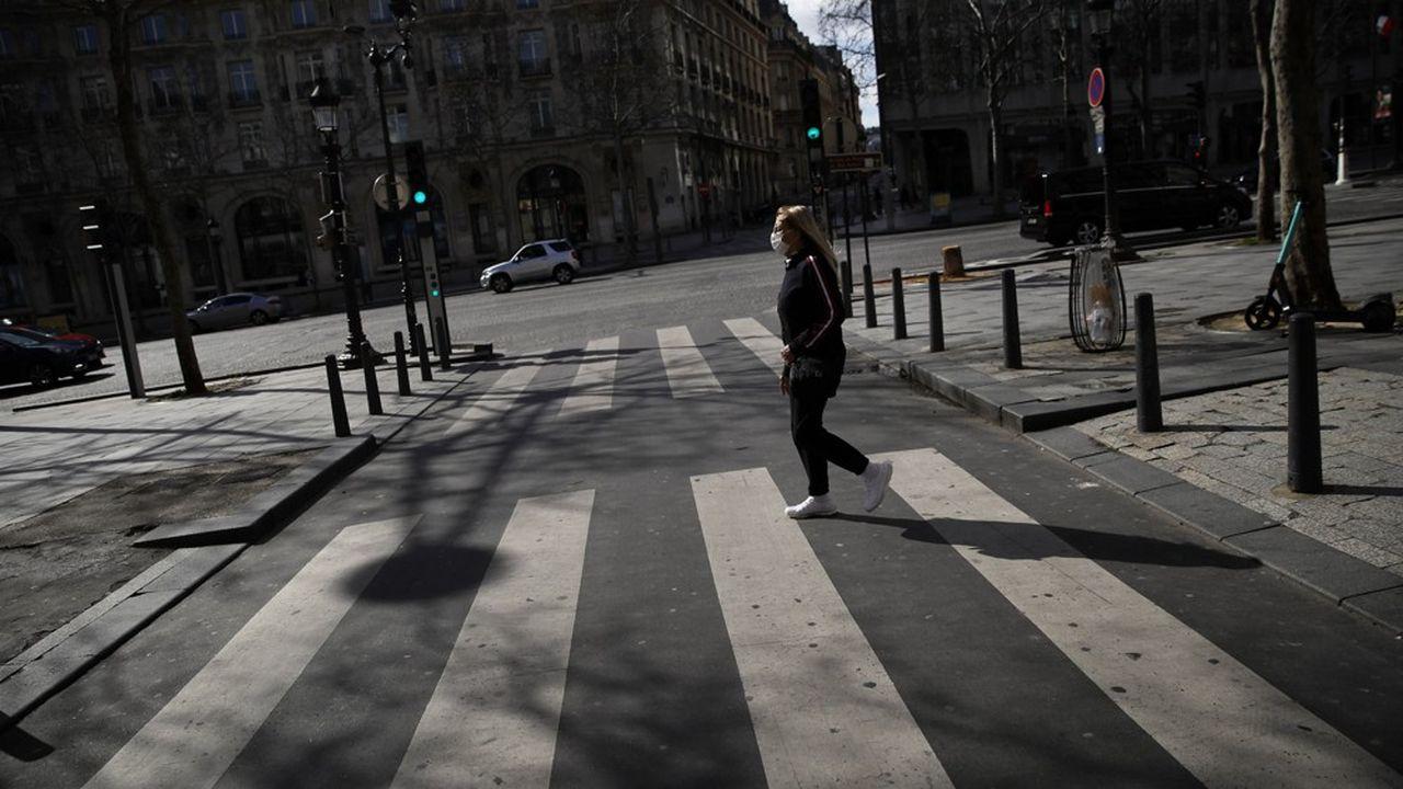 A Paris, sur les Champs-Elysées, le 15mars 2020