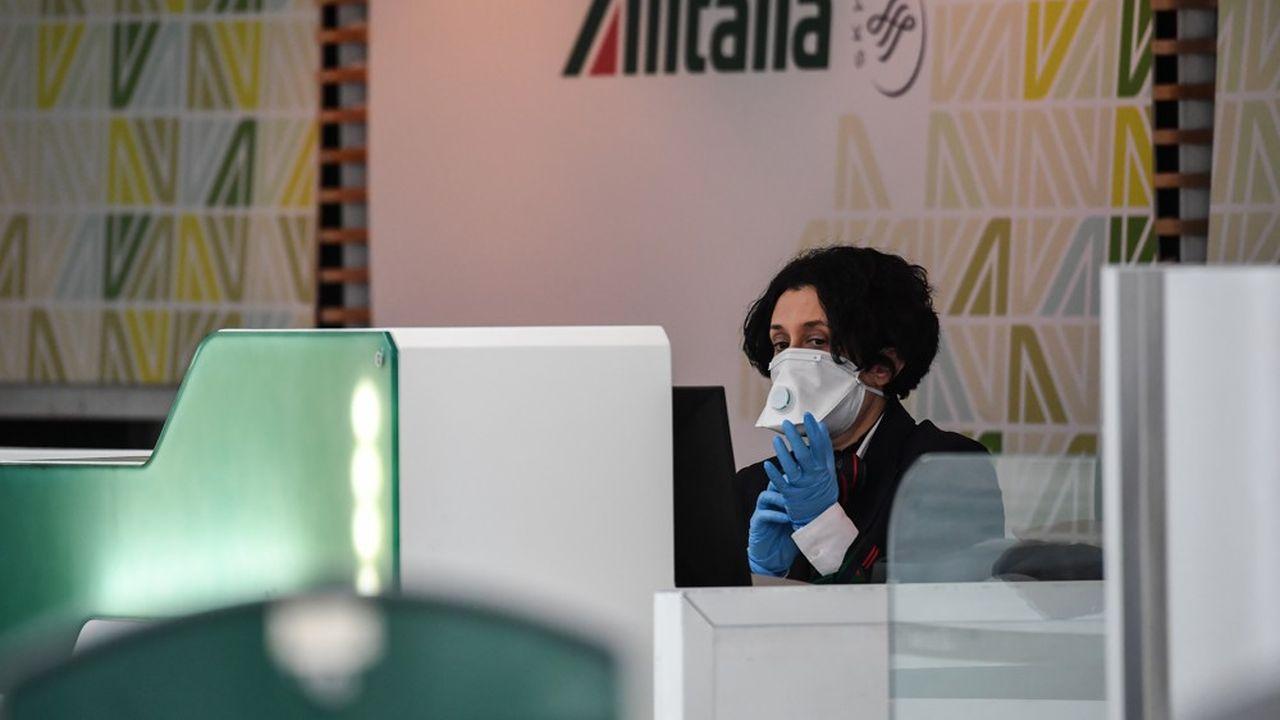 La date butoir des offres fermes de reprise d'Alitalia s'approchait à grand pas: le 18mars, soit mercredi, alors que la compagnie perdait déjà près d'un million d'euros par jour avant la crise du Covid-19.