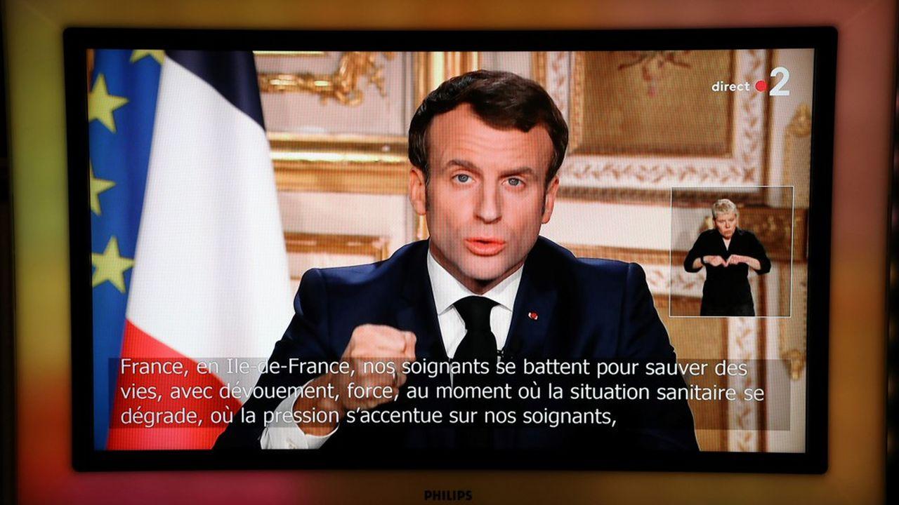 Emmanuel Macron a demandé aux Français de réduire leurs déplacements aux trajets nécessaires. (Photo by Ludovic Marin/AFP)