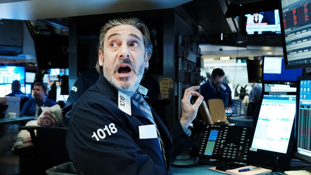 La journée de lundi a été émaillée de scènes de panique dans les salles de marché.