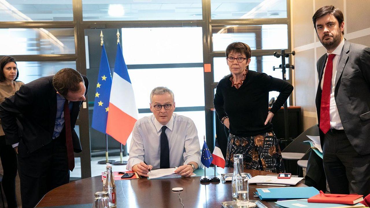 «C'est une catastrophe pour tous les pays de la planète», a reconnu Bruno Le Maire qui a évoqué «une situation de croissance très détériorée en 2020» pour la France.