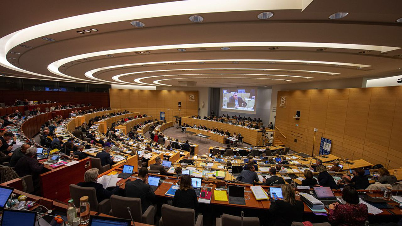 Le conseil régional des Hauts-de-France a annoncé dès jeudi mobiliser une enveloppe de 50millions d'euros pour venir en aide aux entreprises touchées par le coronavirus.