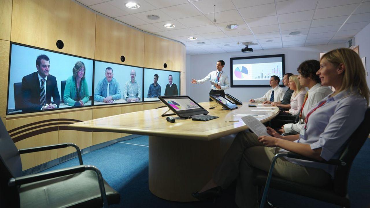 Les cabinets de conseil multiplient les visioconférences avec leurs clients afin de maintenir le lien.