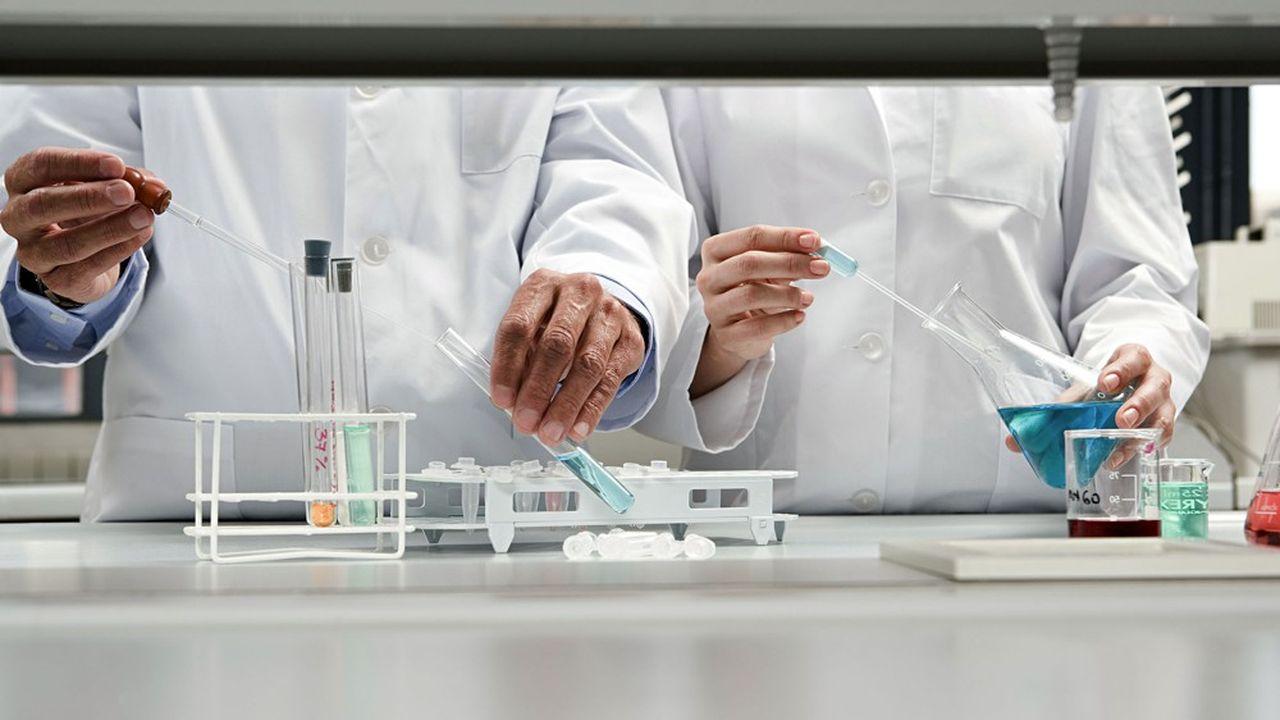 L'Université reçoit ainsi, au sein de neuf de ses laboratoires, 40 élèves de 3e de trois collèges de l'Essonne pour une semaine de stage de découverte du 16 au 20 mars 2020.