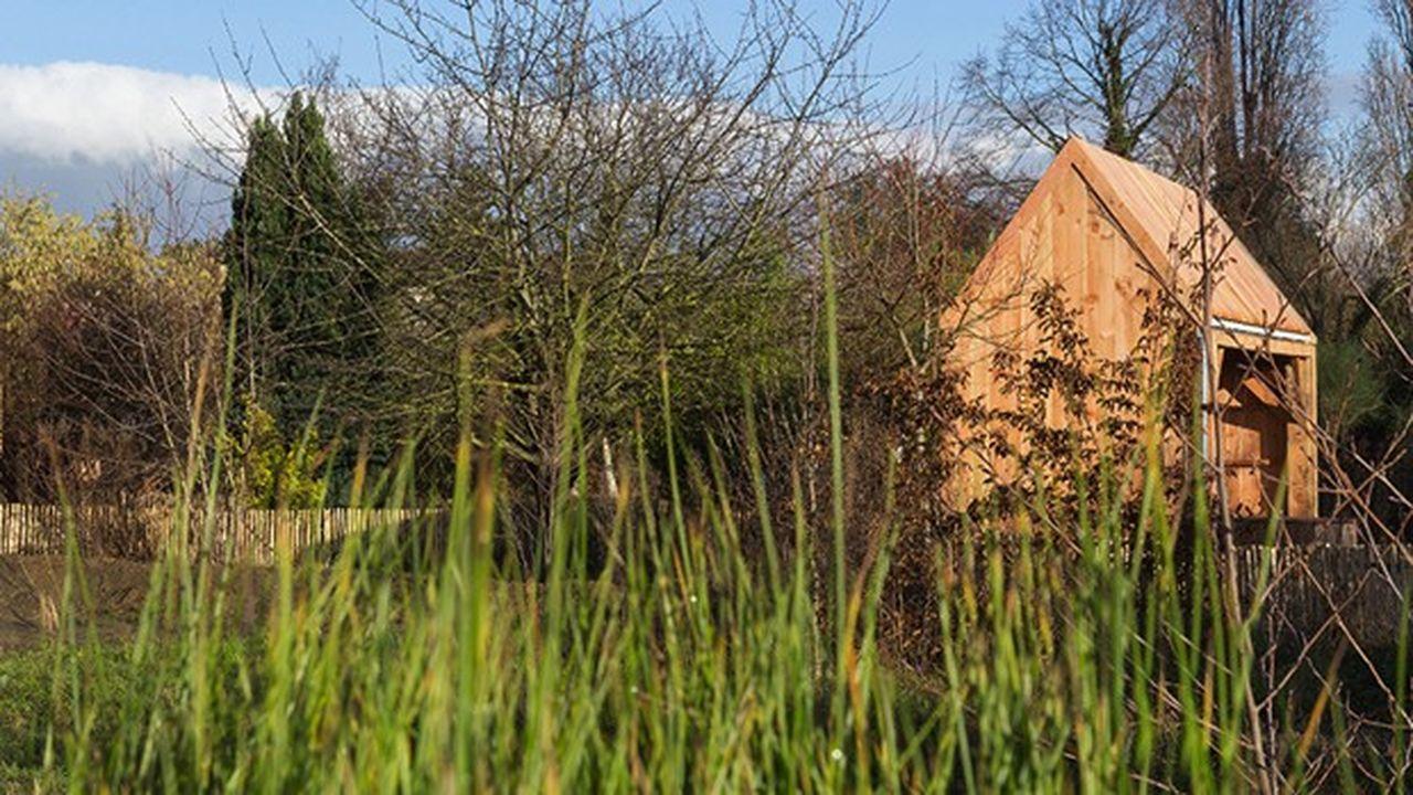 Cette emprise foncière d'un hectare et demi, au préalable destinée à être bâtie, a été réservée depuis quatre ans pour être aménagée en espace naturel.