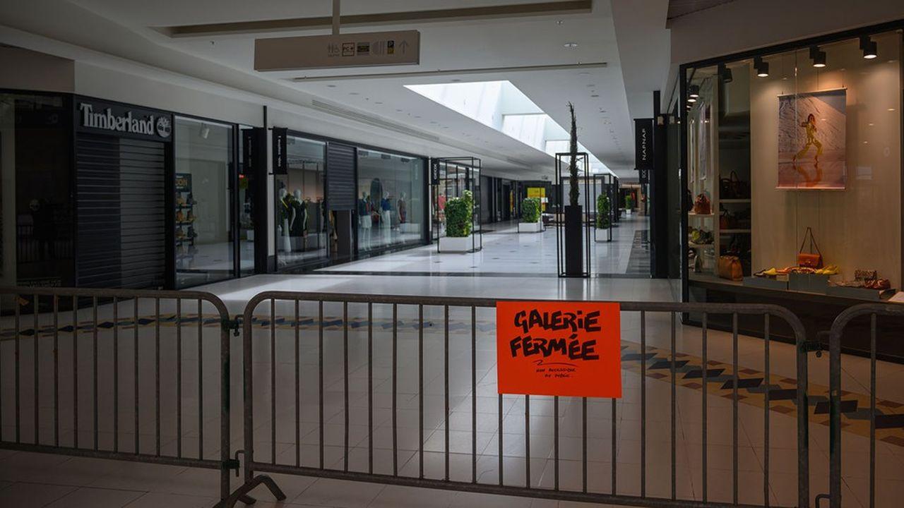 Les centres commerciaux ont dû fermer leurs portes en France.