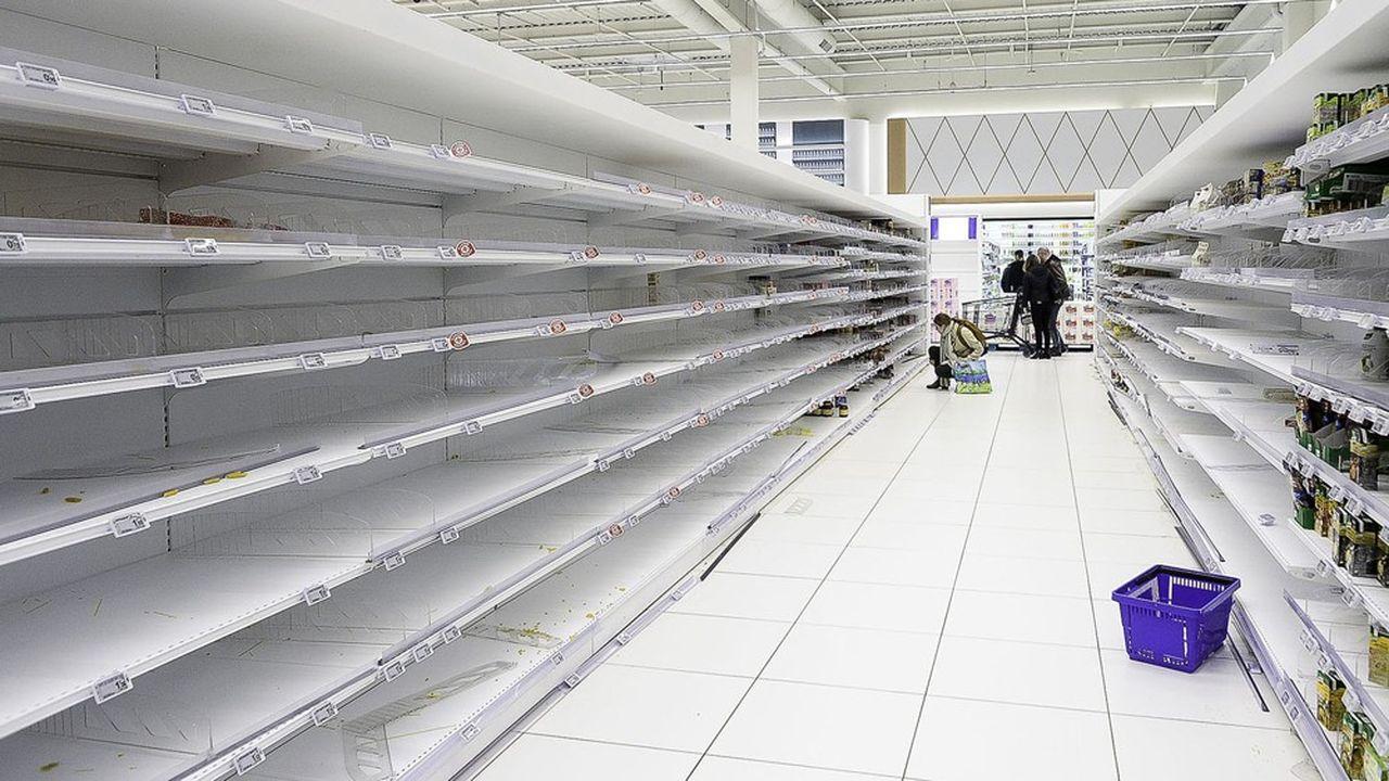 Après la phase d'hystérie que provoque la crise, les consommateurs rentrent dans une phase d'adaptation durant laquelle ils ne stockent plus.