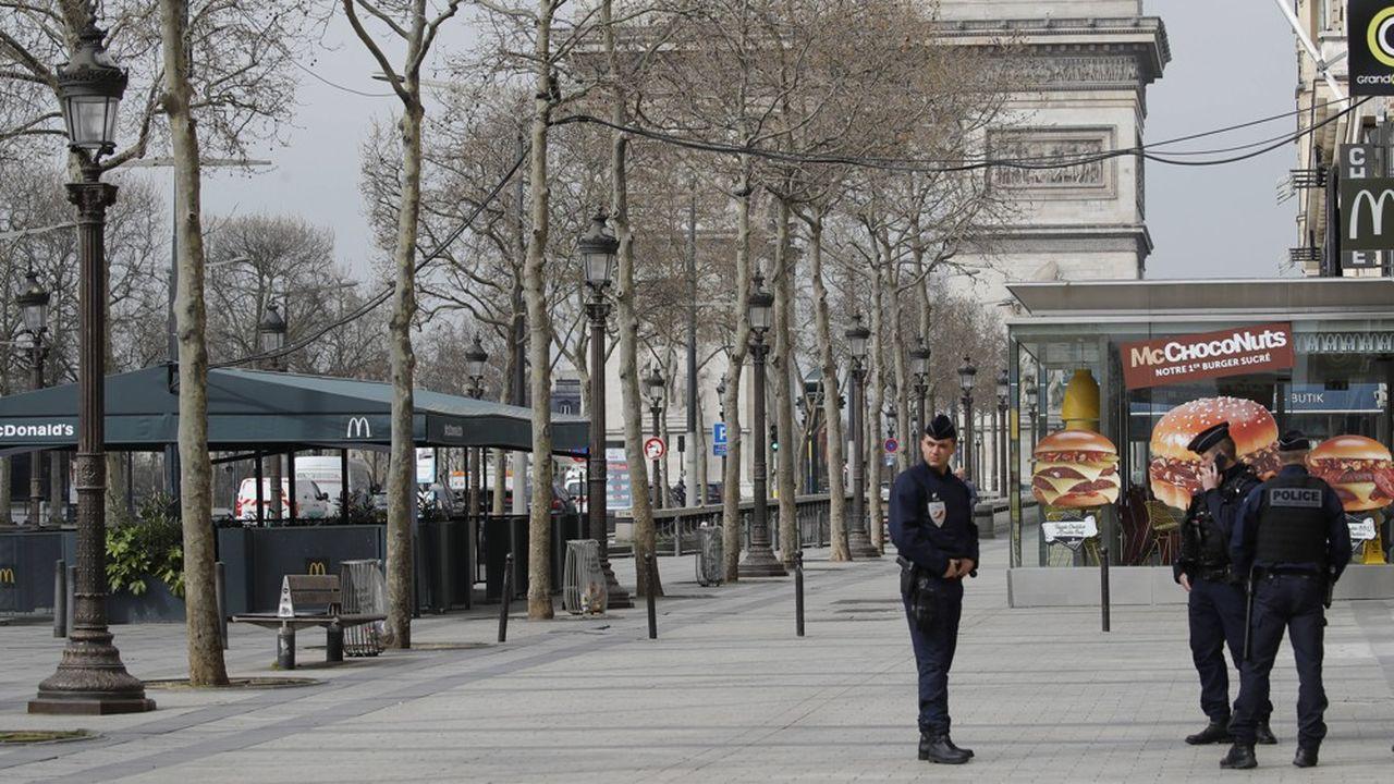 La France est entrée, mercredi, dans sa deuxième journée de confinement.