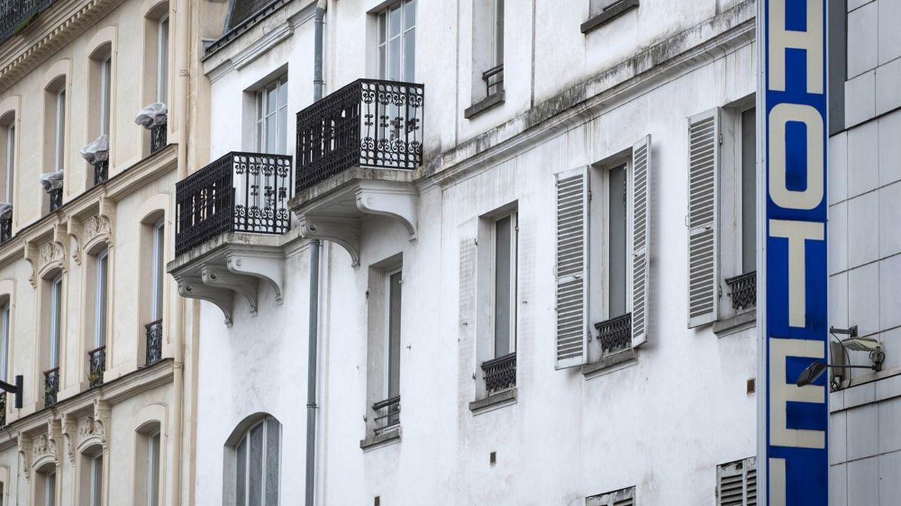 Toutes les catégories d'hôtels font l'objet de fermeture. Les grands établissements parisiens n'échappent au phénomène alors que les taux d'occupation se sont effondrés.
