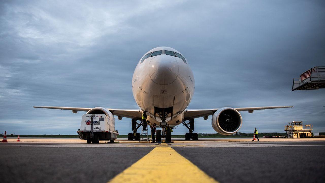 Déjà essoré financièrement par la crise du 737 Max, Boeing redoute désormais des annulations de commandes.