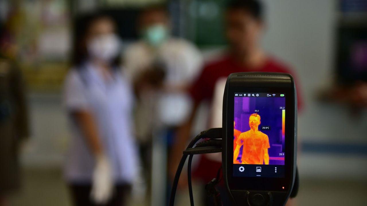 Une caméra de vidéosurveillance peut détecter une arme à feu. Elle peut aussi repérer les passants fiévreux.