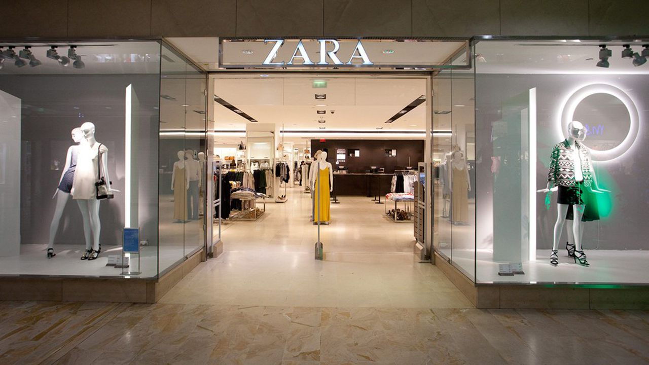 Le groupe Inditex annonce la fermeture temporaire de 3.785 de ses magasins à travers 39 pays, soit la moitié de tous ses points de vente à travers le monde (ici Zara au centre commercial Belle-Epine).
