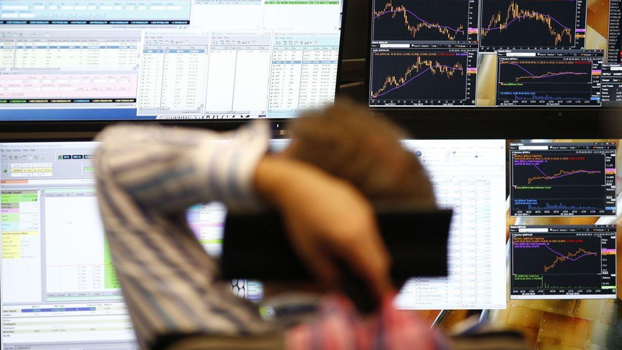 Les groupes de communication font partie des valeursqui subissent les plus forts plongeons en Bourse.