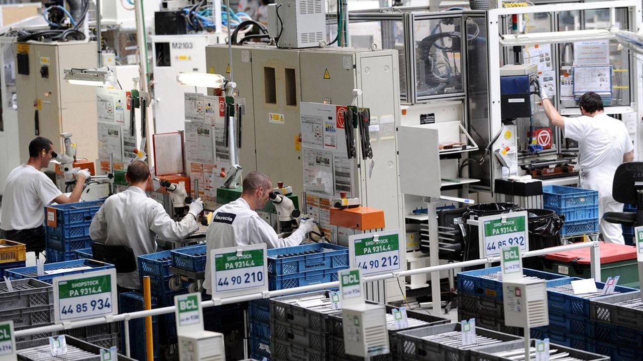 Les syndicats de Faurecia àCaligny (Orne) ont organisé des débrayages demandant la fermeture de l'usine.