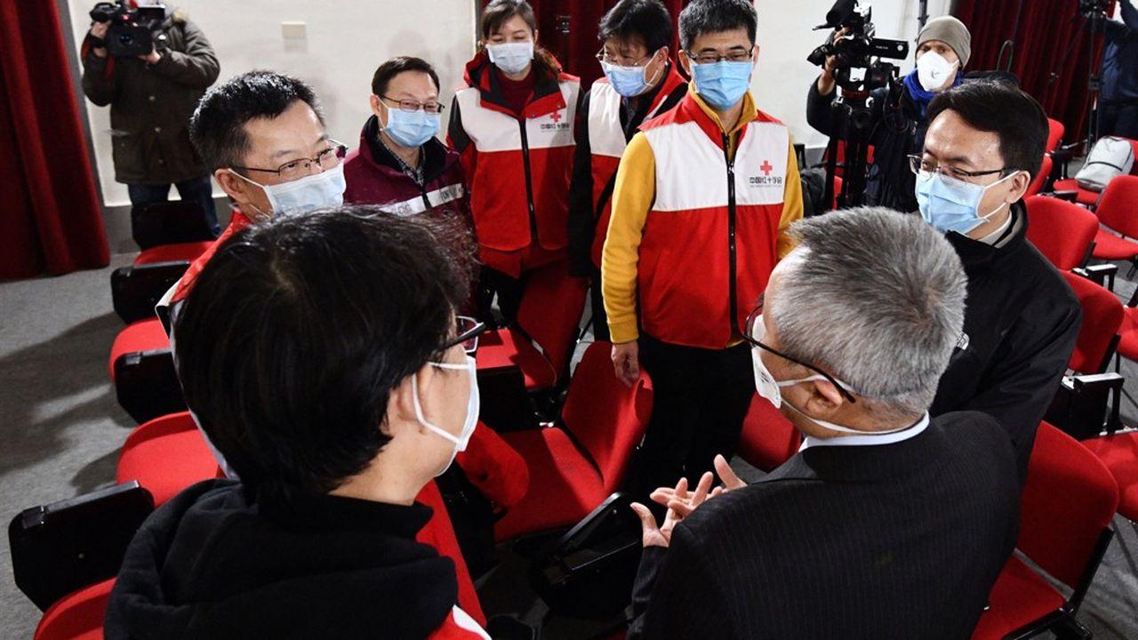 Le 12mars dernier, 9 médecins chinois et plusieurs tonnes de matériel sanitaire sont arrivés à Rome à bord d'un vol spécial.