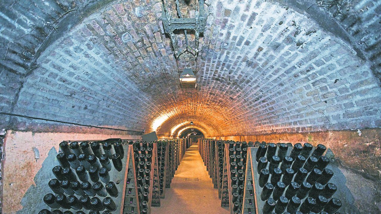 Les maisons de champagne ferment les caves les unes après les autres. A la fin de la semaine, le lock-out sera quasi-général.