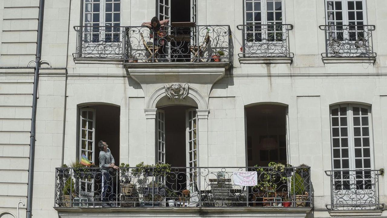 A Paris comme ailleurs, de nombreux salariés sont confinés chez eux pendant leurs heures habituelles de travail.