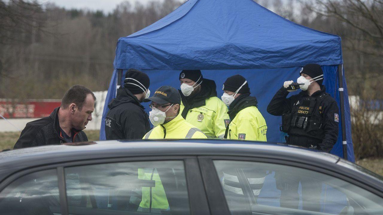 Les autorités tchèques ont saisi des milliers de masques en provenance de la Chine vers l'Italie (image d'illustration).