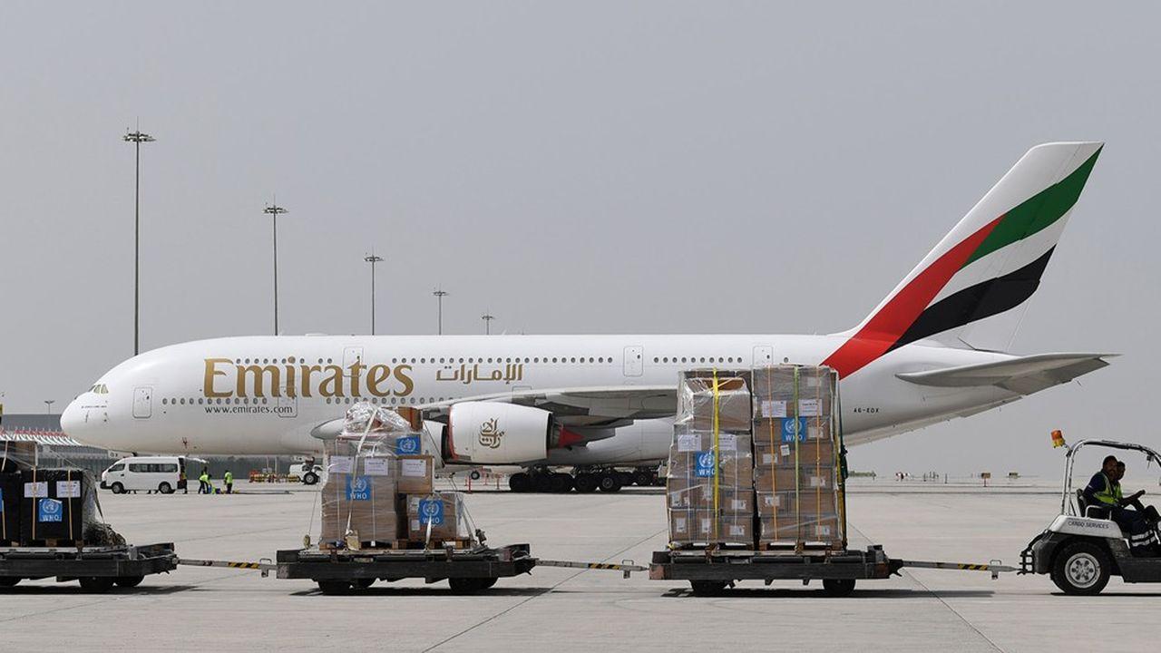 Emirates, qui dessert habituellement 159 destinations, est l'un des fleurons économiques de Dubaï