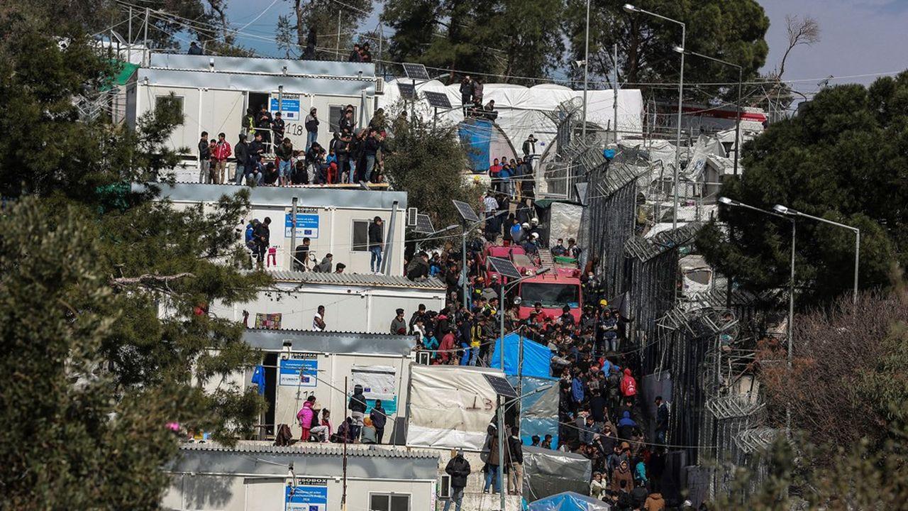 Les centres de réfugiés sur les îles de la mer Egée, ici le camp de Moria a Lesbos, sont surpeuplés et les demandeurs d'asile n'ont quasiment pas accès aux soins.