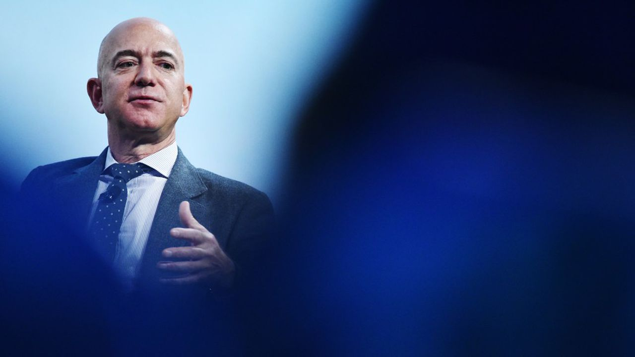 Jeff Bezos est le dirigeant qui a vendu le plus d'actions de sa société entre le 1erfévrier et le 19mars 2020.