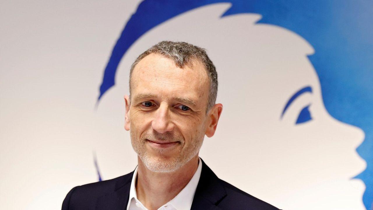 Emmanuel Faber, le patron de Danone, a dit être prêt à « garantir » la totalité de ses emplois et les salaires pour les trois prochains mois, afin de faire face à l'épidémie de coronavirus. Danone emploie au total plus de 100.000 personnes.