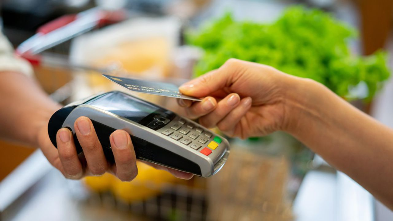 Le plafond du paiement sans contact estactuellement limité à 30euros, dans une limite de 150euros par jour.