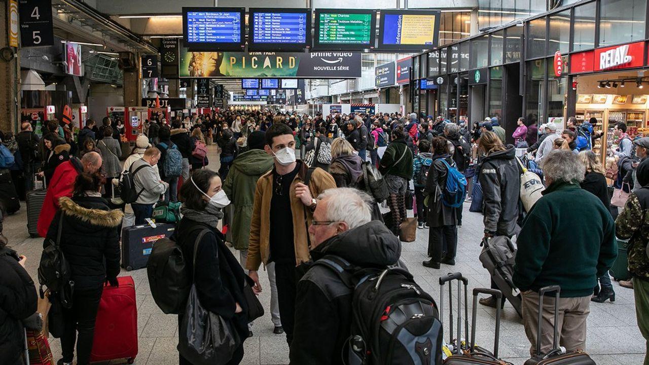 Près de 1,2million de personnes ont quitté la métropole du Grand Paris - soit 17% des habitants - entre le 13 et le 20mars, d'après l'analyse d'Orange.