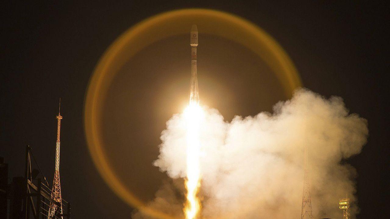 Dans cette photo du 21mars 2020, un vaisseau Soyouz décolle de la base de Baikonour avec 34 satellites OneWeb.