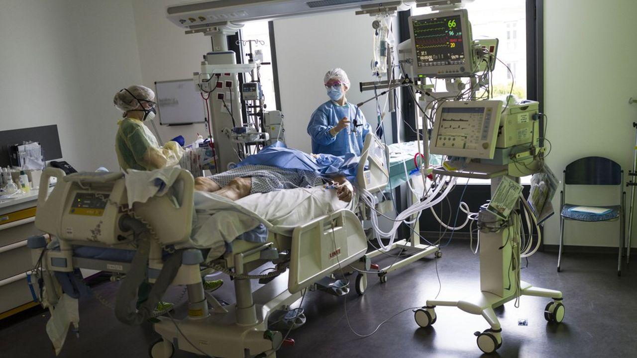 En raison de l'afflux soudain de malades du Covid-19, les anesthésistes-réanimateurs risquent de manquer de médicaments et de respirateurs lourds.