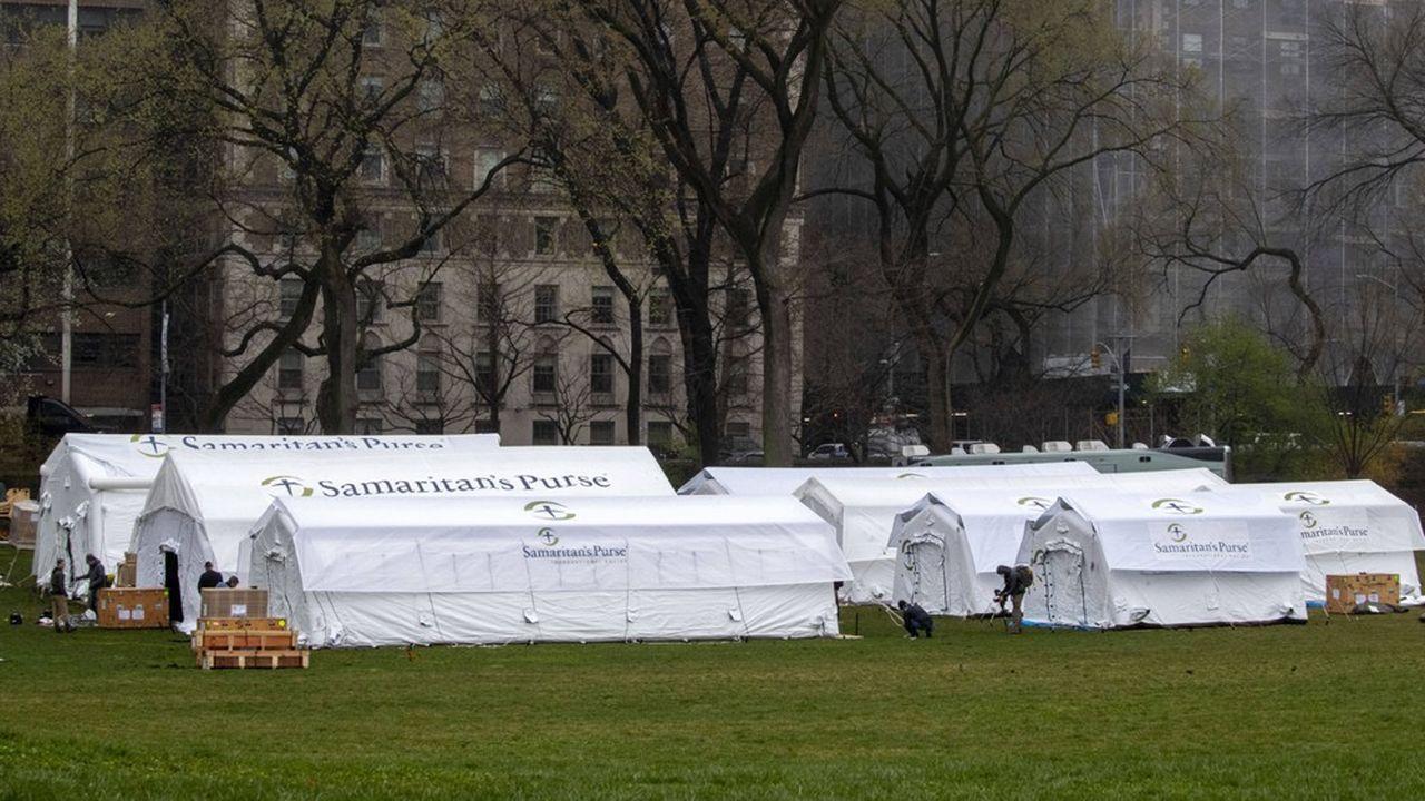A Manhattan, un hôpital de fortune a commencé à être construit à Central Park.