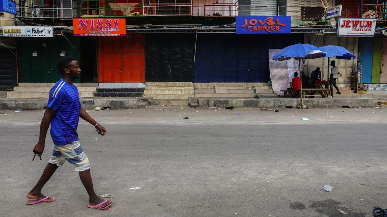 Abuja, la capitale, et Lagos, le centre économique, se préparent à vivre au ralenti à partir de ce soir 23 heures.