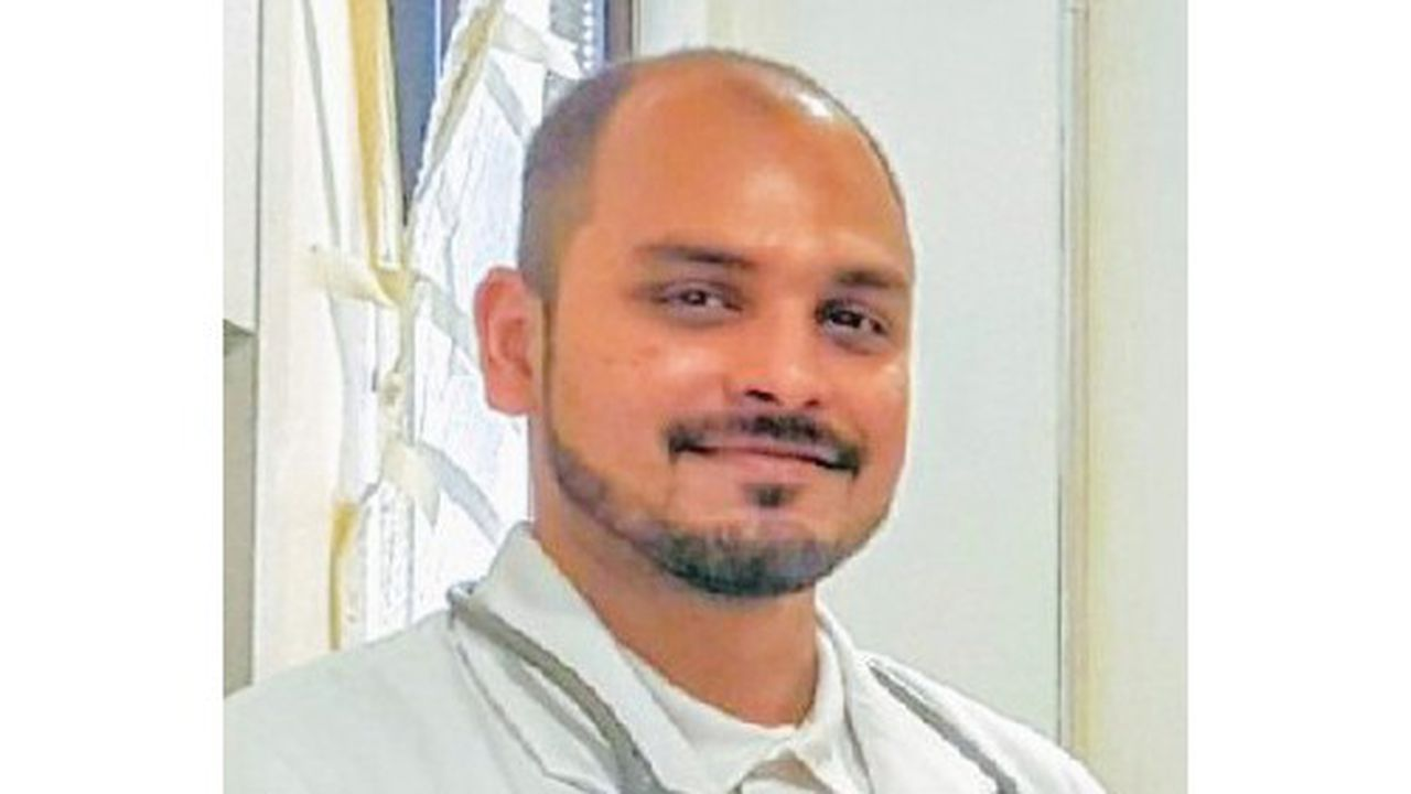 Le Docteur Souradipta Chandra est chef des opérations à la clinique Helvetia Diagnostics à New Delhi. Il est spécialisé dans les rapatriements sanitaires.