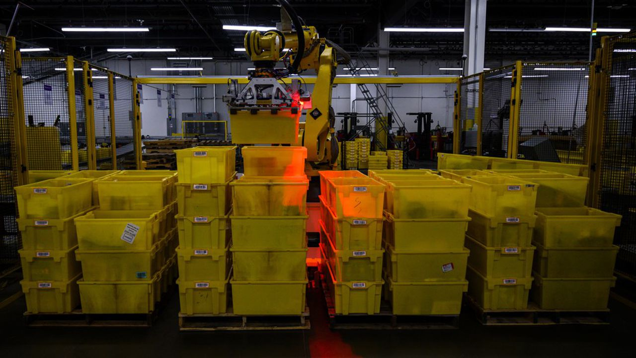 Le site JFK8 à New York est largement robotisé mais Amazon y emploie aussi 4.500 salariés.