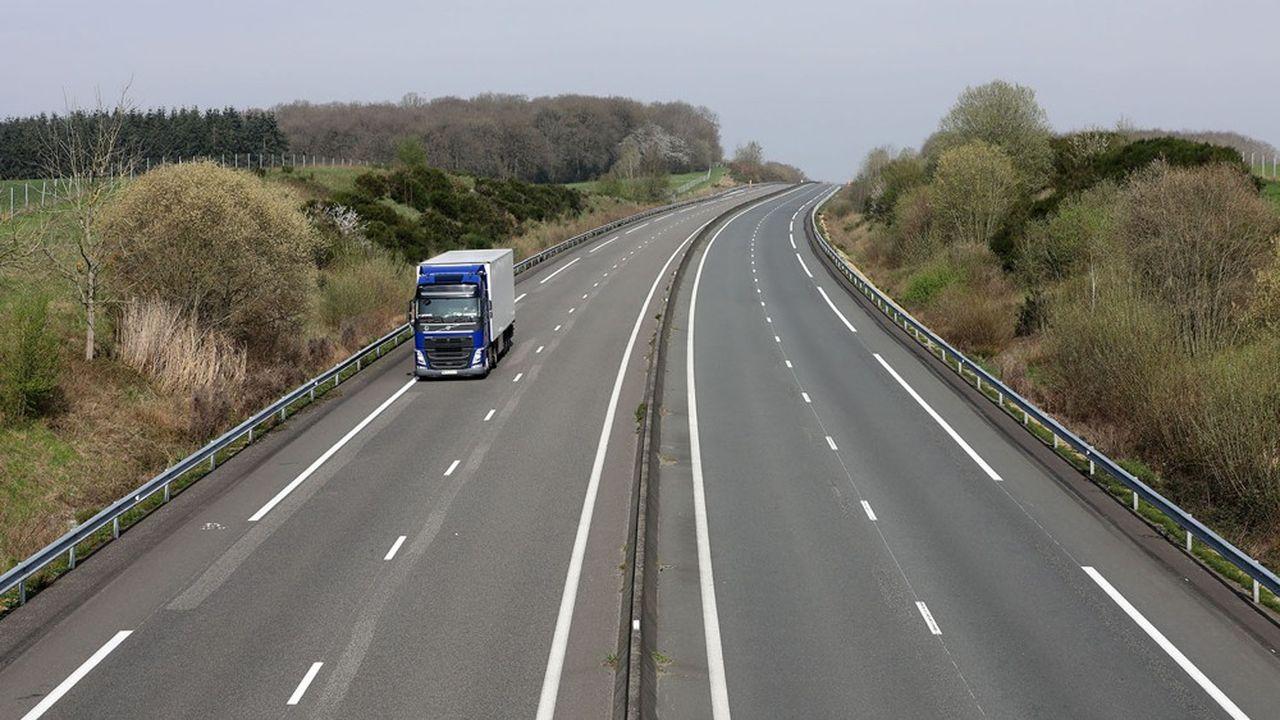 Jamais les autoroutes françaises n'avaient vu passer aussi peu de véhicules pendant plusieurs semaines consécutives