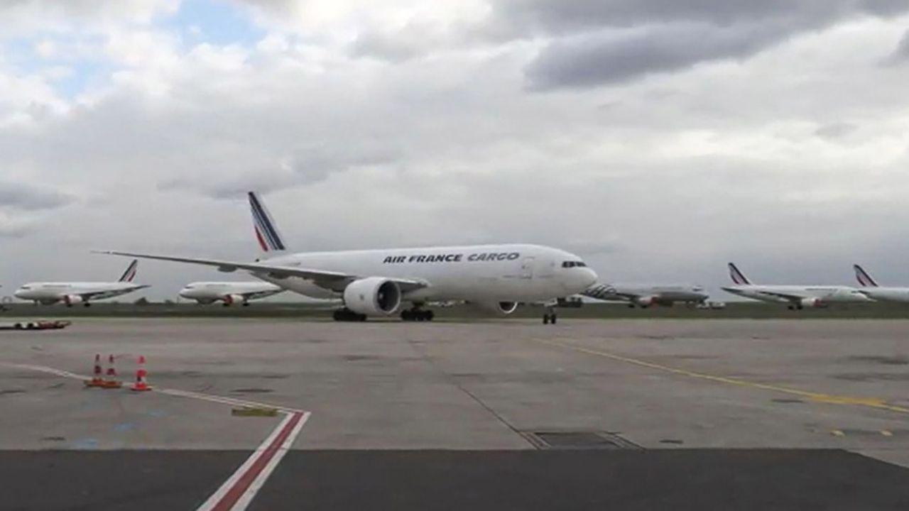 Un Boeing 777 cargo d'Air France a acheminé 100 tonnes de matériel médical en provenance de Chine, dimanche, dont 5,5millions de masques.